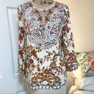Crosby Floral Front Keyhole 3/4 Sleeve Top